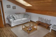 schlaf-couch-im-wohnzimmer